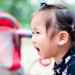 Cómo lidiar con un niño pesado en vacaciones