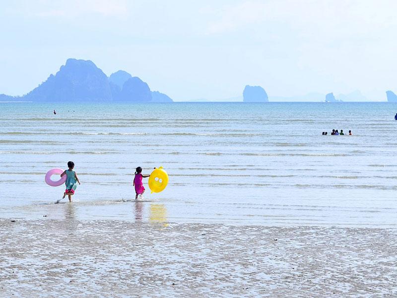 playas tranquilas para ir con niños